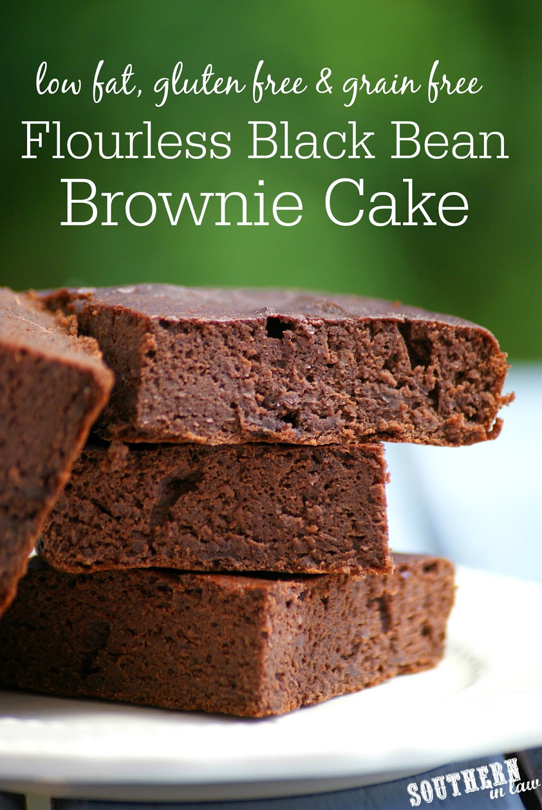 Healthy Gluten Free Black Bean Brownie Cake Recipe | low fat, gluten free, grain free, flourless, refined sugar free, clean eating friendly, low calorie brownie recipe