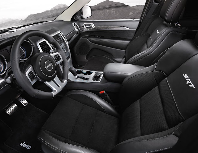Jeep Cherokee SRT Interior
