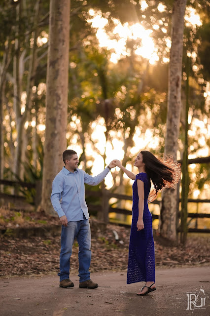 raphael gallo, ensaio romântico, prévia romântica, natureza, pôr do sol, haras, e-session, pré wedding, rústico, noivos