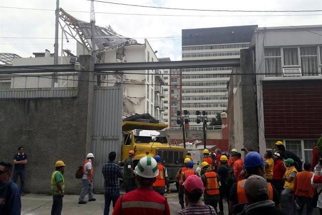 Edificio caído en Portales era nuevo; vecinos buscan a la constructora