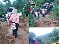 """Berfoto Selfi di Lokasi Tanah Longsor Ponorogo, Wanita Ini Dikecam """"Netizen"""""""
