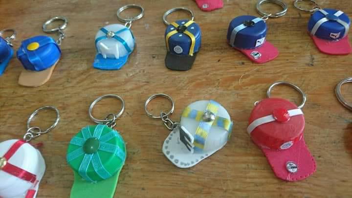 manualidades con tapitas de plstico recicladas manualidades con tapitas de plstico recicladas - Manualidades Recicladas