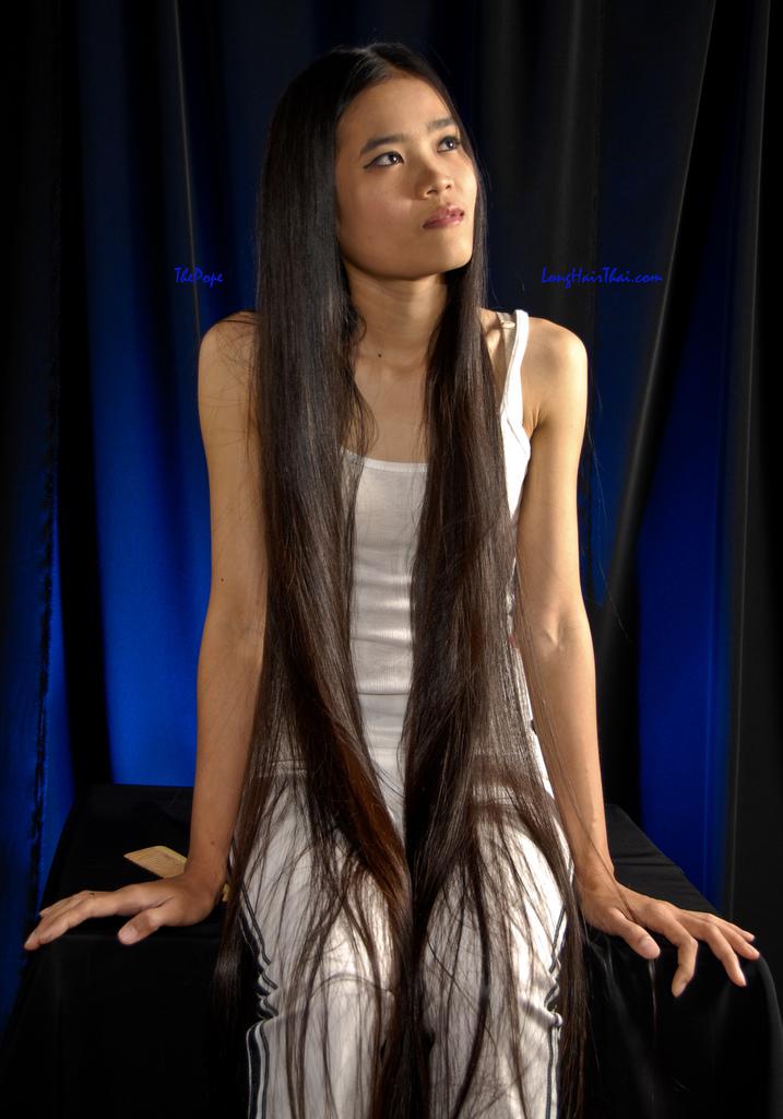 romantic bangkok tha landaises aux cheveux longs tr s. Black Bedroom Furniture Sets. Home Design Ideas