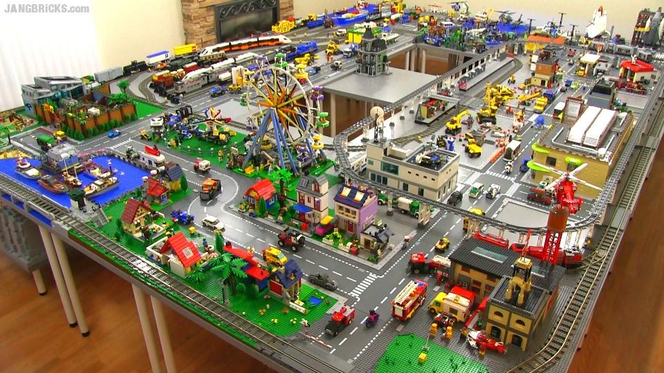 LEGO city update & walkthrough Jun  2015! 246 sq  ft  layout!