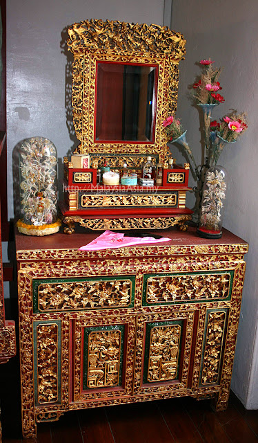 Dresser Table Peranakan