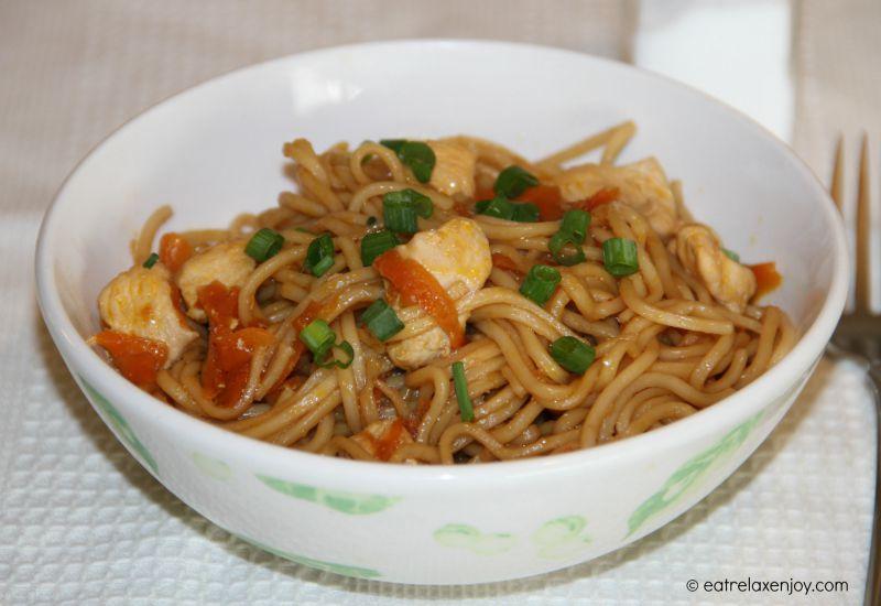 תבשיל נודלס סיני