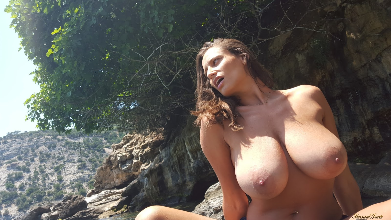Big natural tits milf facial