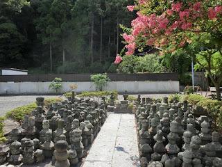 三浦一族の墓