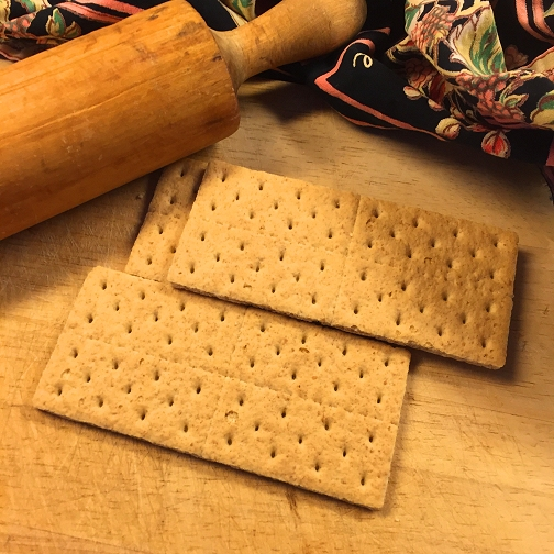 Dishfunctional designs chocolate chip coconut cookie bars hello make your own by simply putting a few graham crackers into a food storage bag and then crushing them with a rolling pin on top of a cutting board as solutioingenieria Gallery