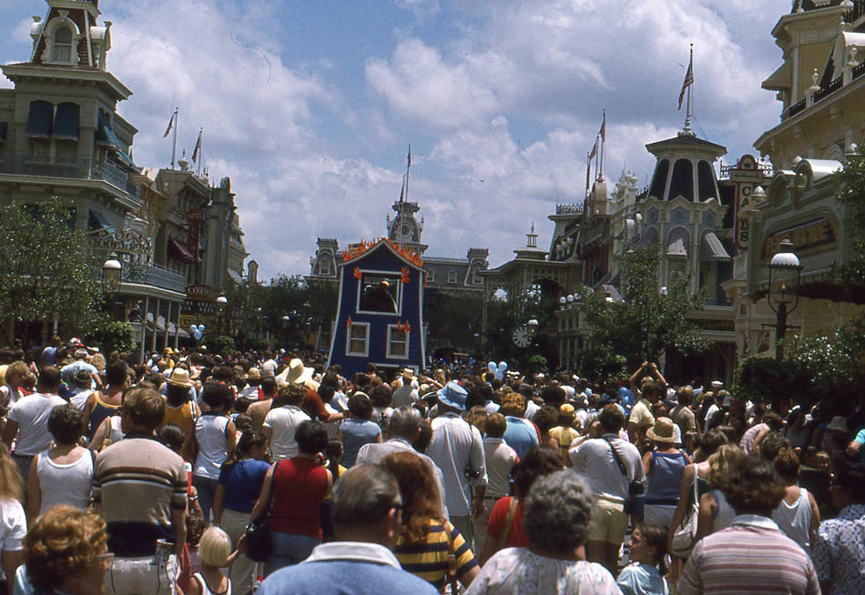 1925 Rolls Royce Phantom >> Photos of Disneyland in 1979 ~ vintage everyday