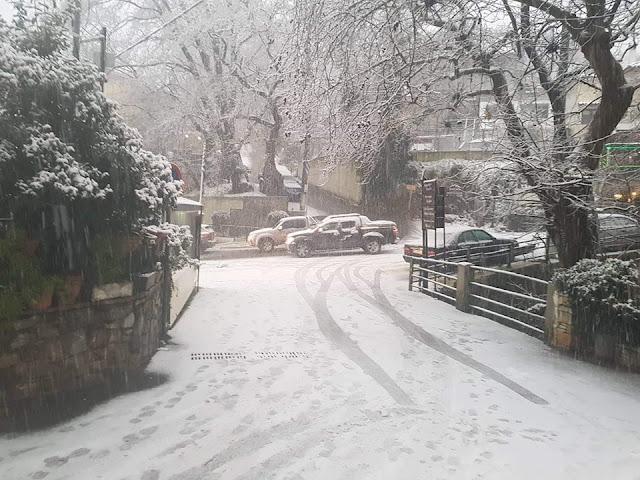 Η χιονισμένη Δίρφυ (φωτογραφίες-video)  25CE 25A3 25CE 25A4 25CE 2595 25CE 259D 25CE 2597 2