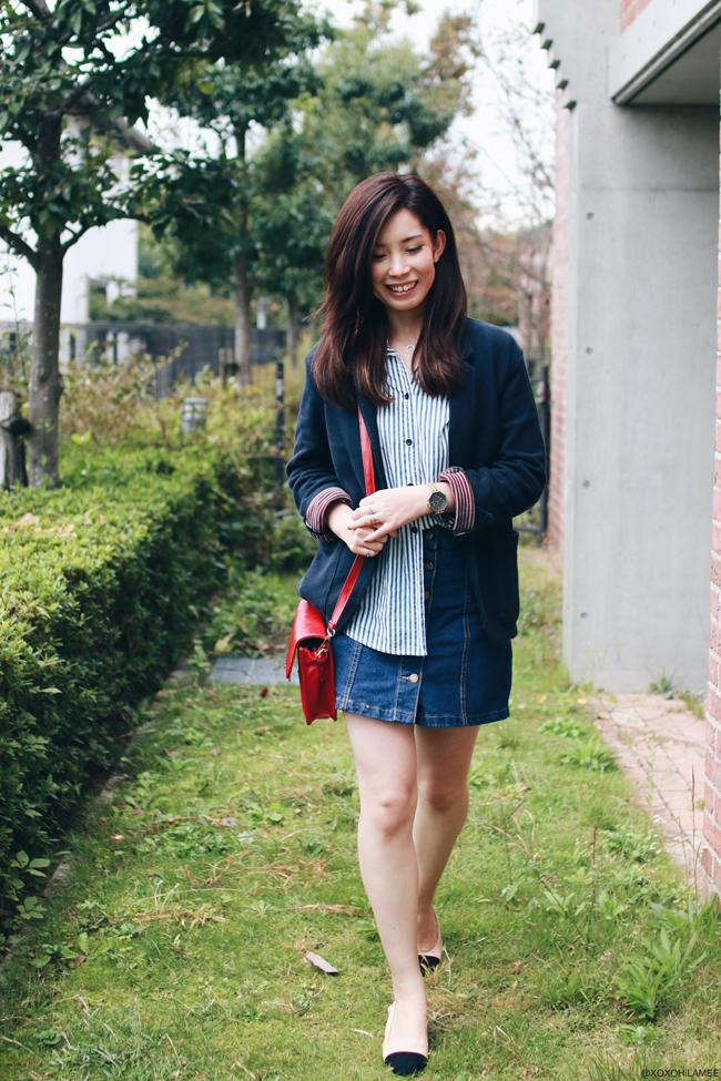 日本人ファッションブロガー、MizuhoK,今日のコーデ、SheInストライプシャツ、フロントボタンデニムスカート、Choies‐ブラックトゥミュール、レッドポシェット、Back to school style,シンプルカジュアルシック