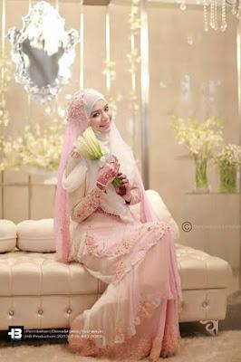 Gaun Pengantin Muslimah Warna Pink