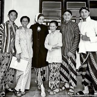 Foto Kebaya Batik Jawa Artis Laudya Chintia Bella Film Talak Tiga