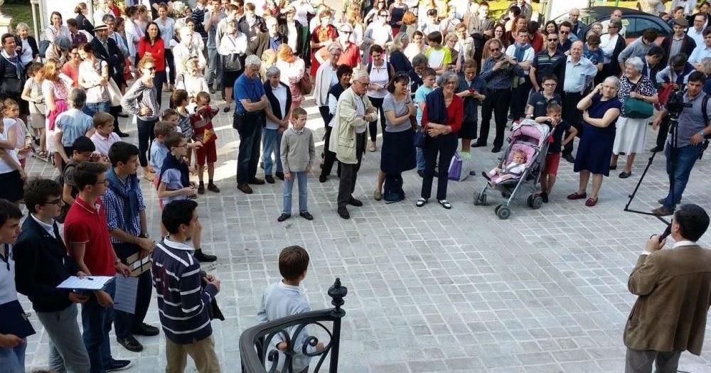 tradinews le parisien le port marly les catholiques traditionalistes refusent de quitter
