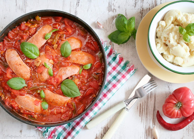 szybki obiad, serdelki w sosie, sos ze świeżych pomidorów, sos paprykowy, obiad, daylicooking