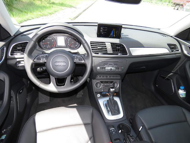 Audi Q3 2017 Flex - Branco - painel