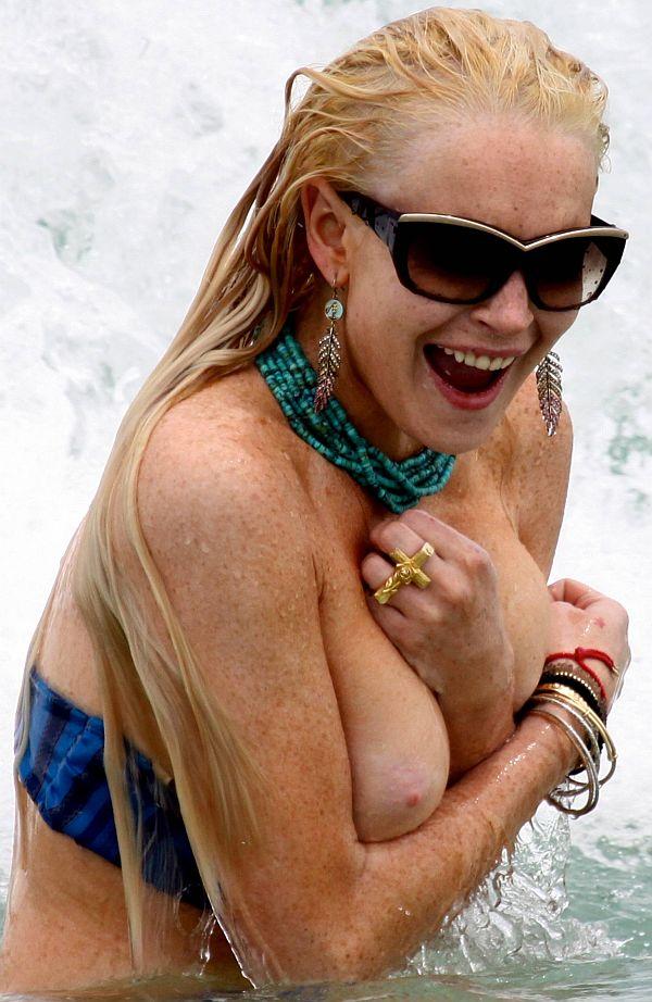 Oops nipple slip lindsay lohan wallpaper valuable