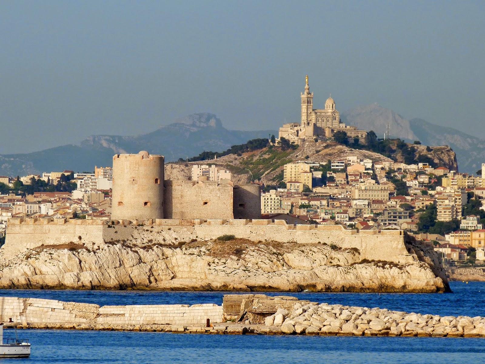 A bord de thira dimanche 8 juin 2014 carro les du - Cuisine des iles marseille ...