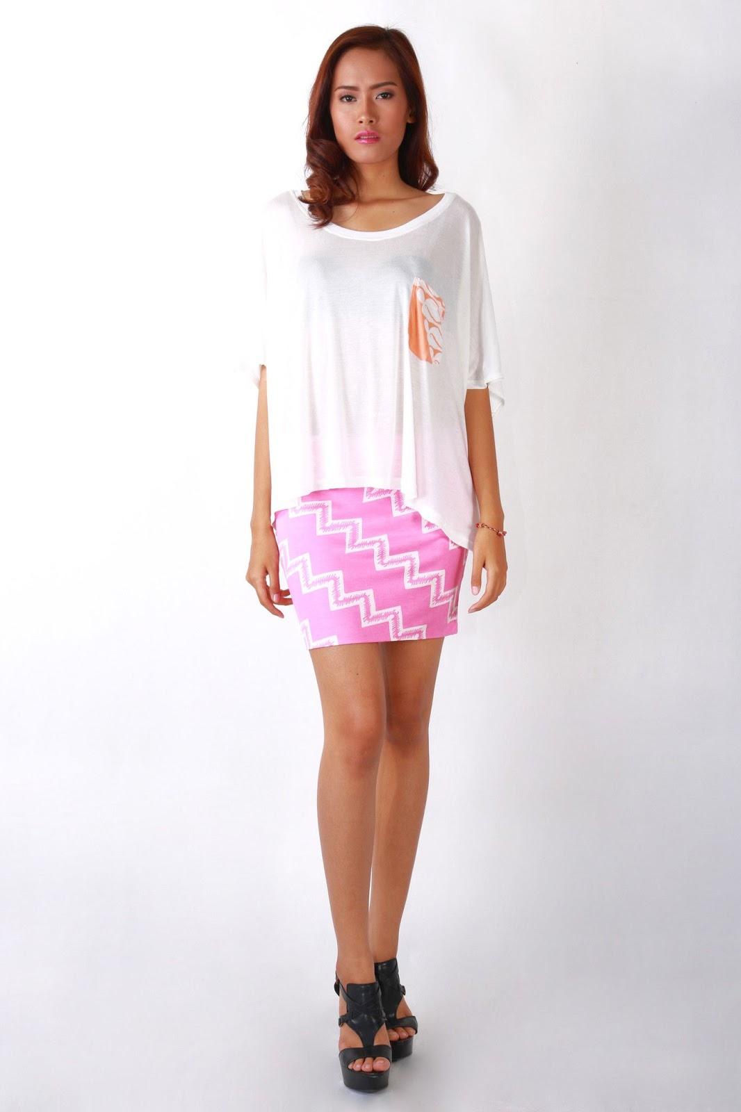 Artis dan Model wanita cantik pakai rok mini anak balita Artis dan Model wanita cantik pakai rok mini anak muda