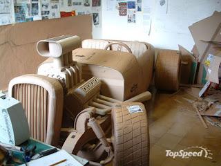 objetos hechos con cartón reciclado -auto tamaño real