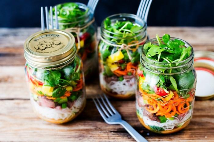 Salada no pote é alternativa prática e saudável no verão