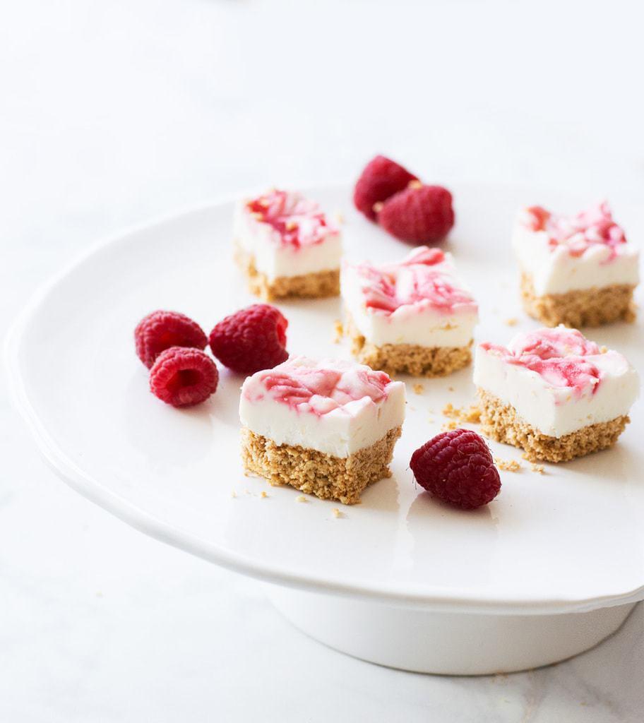 No Bake Raspberry Cheesecake Bars #Dessertrecipes
