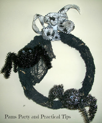 How to make an easy spider wreath