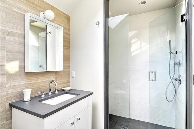 desain kamar mandi minimalis 2x2 terbaru