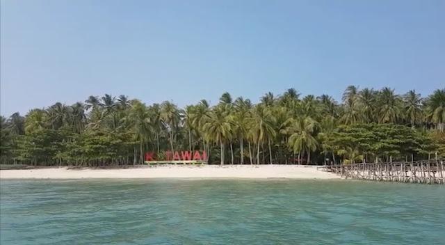 Pantai ketawai Bangka Belitung