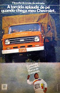 propaganda caminhão Chevrolet -GM -com Pelé - 1978.  reclame de carros anos 70. brazilian advertising cars in the 70. os anos 70. história da década de 70; Brazil in the 70s; propaganda carros anos 70; Oswaldo Hernandez;