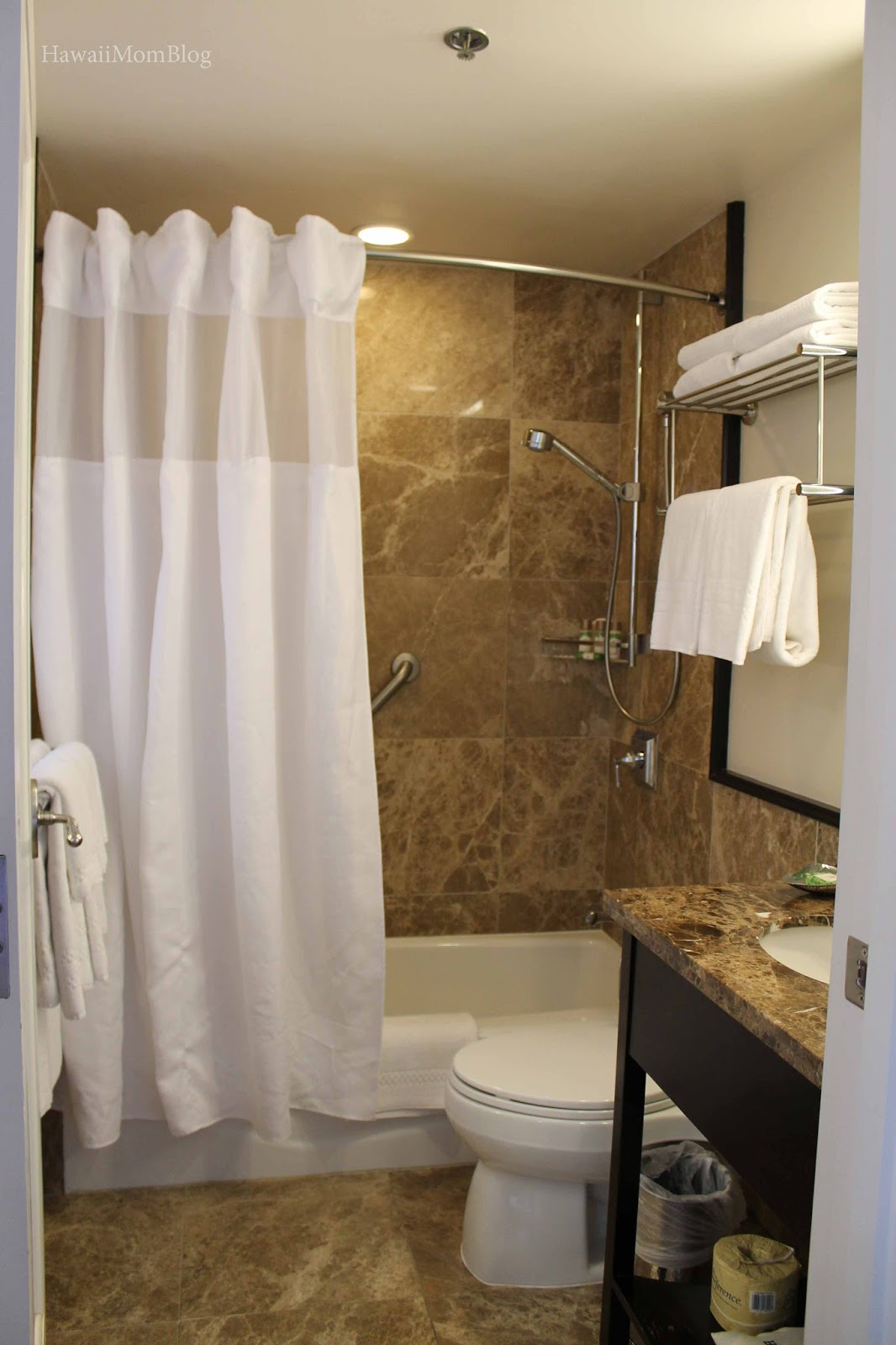 Our Suite Was Adjacent To The Kamehameha Suite, Which Is Sometimes Used For  Lavish Dinners And Small Parties. This Means That Itu0027s Possible To Hear  Lots Of ...