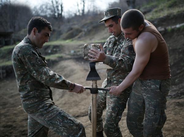 La doble ciudadanía no está exenta del servicio militar en Armenia