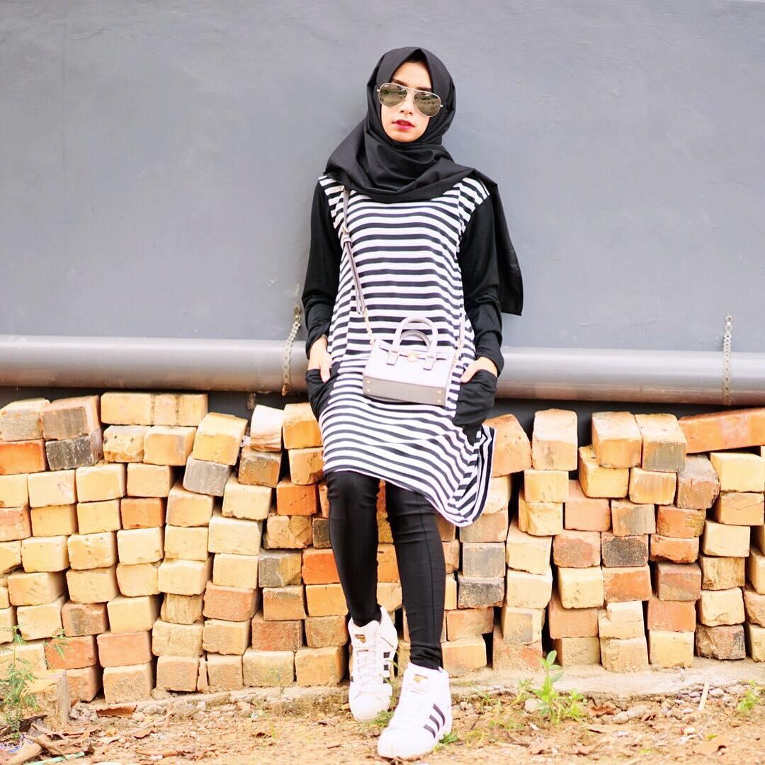 Hijab Segi Empat Motif Dan Polos Tersedia Juga Model Hijab