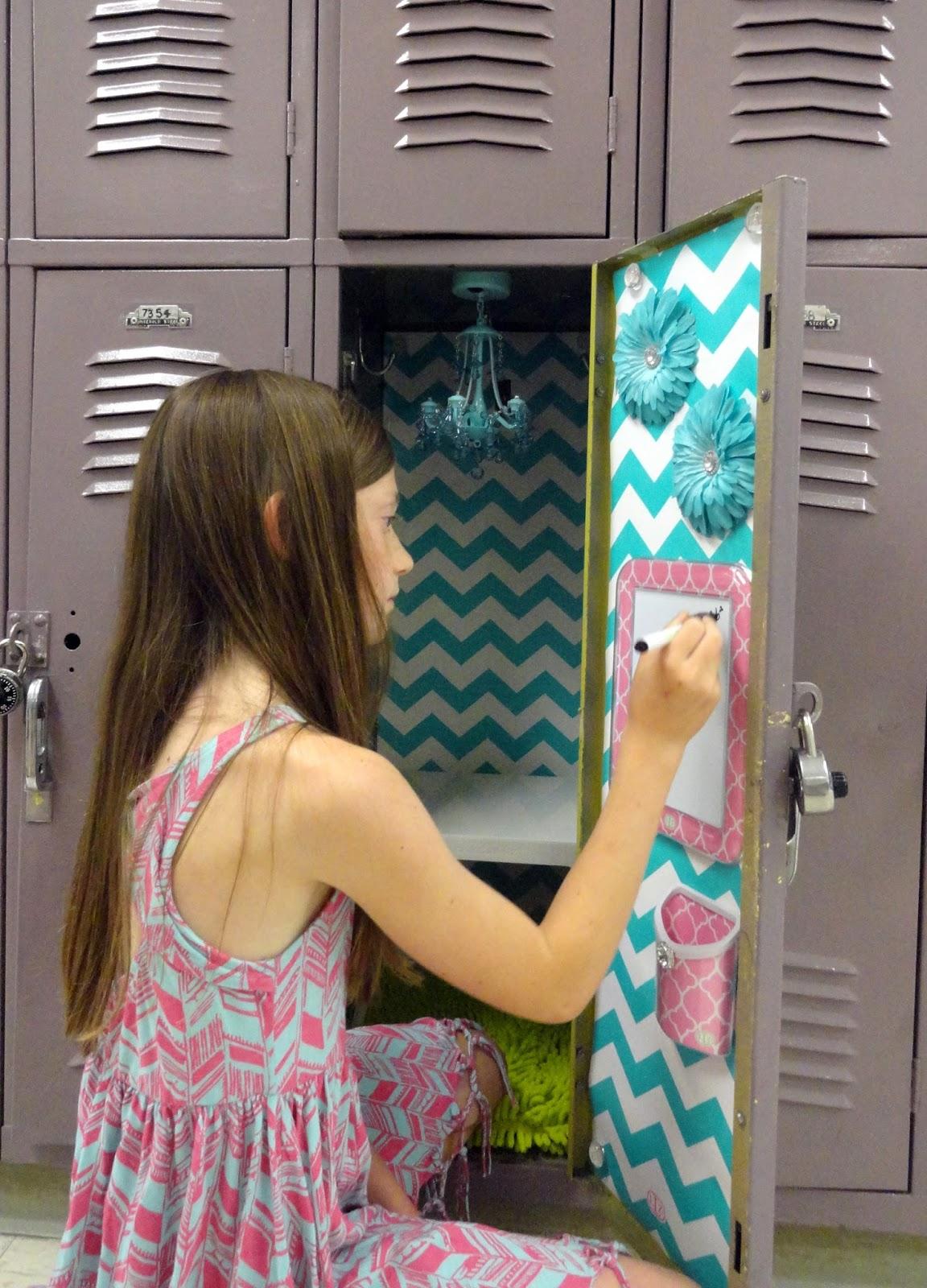 Cute Locker Wallpaper 5 Simple Steps To Decorating A Fabulous Locker With Locker