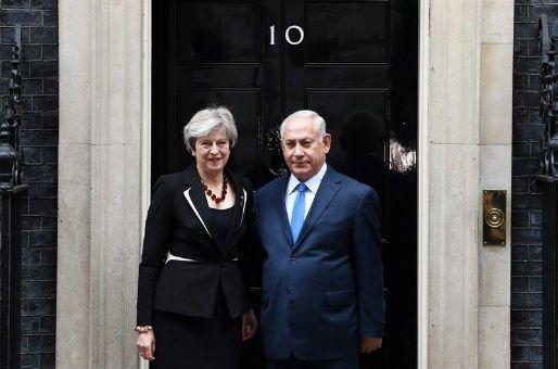 Asentamientos ilegales israelíes impiden la paz, dice May