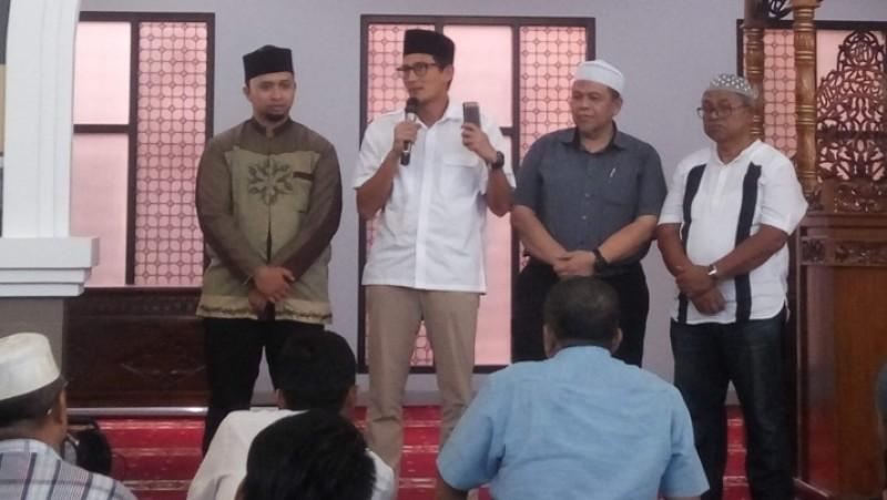 Sandiaga Uno memberi pelatihan ekonomi syariah di Masjid Fatahillah Tanah Abang