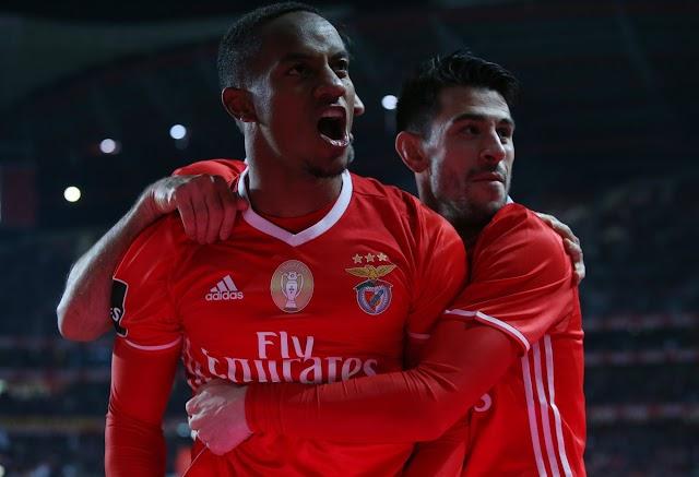 Mitroglou bisa, Carrillo assina obra de arte e Benfica lidera