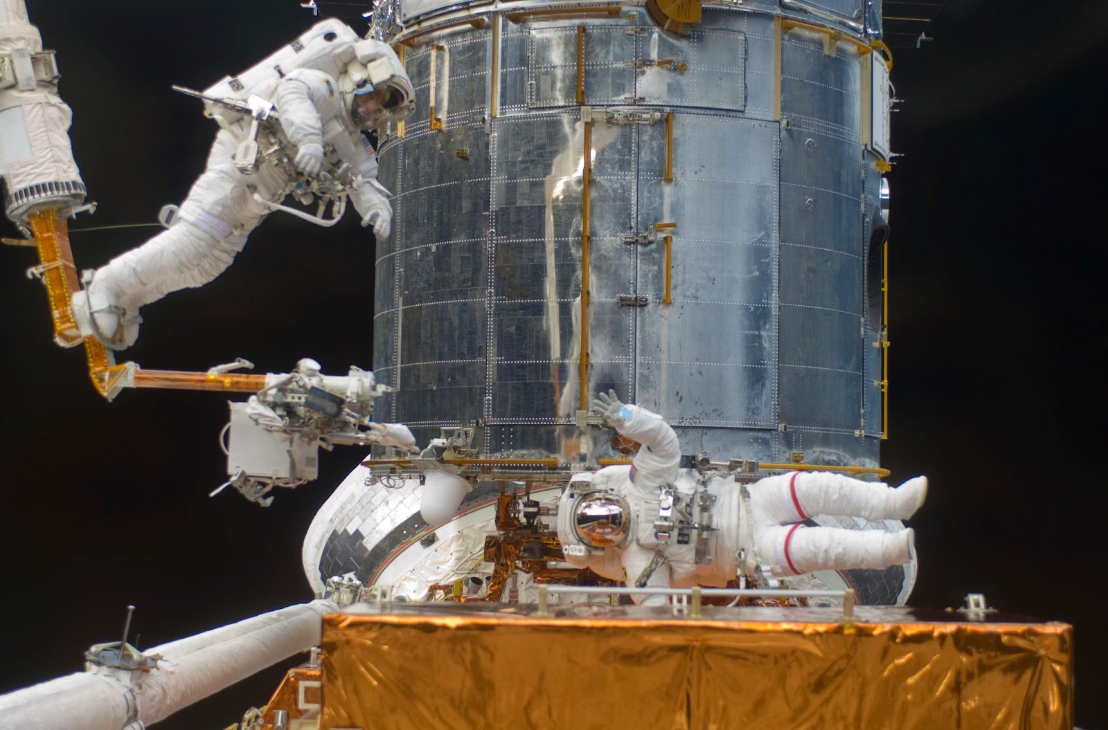 The Hubble Telescope's Quarter-Century of Breakthroughs ...