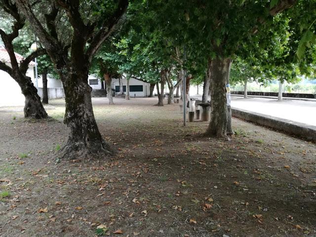 Sombra Parque de Merendas ao lado do Parque de campismo de Serpins