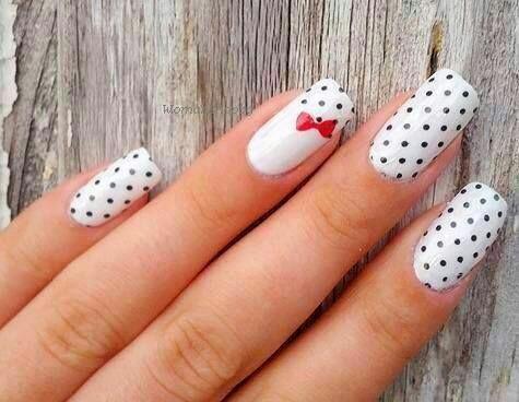 Polka dot nail arts desgin