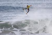 37 John John Florence rip curl pro portugal foto WSL Damien Poullenot