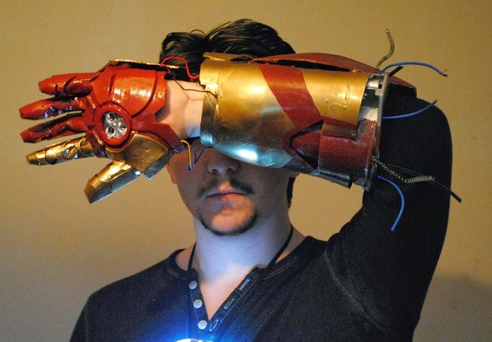 The Flaming Crocodile: Iron Man Costume