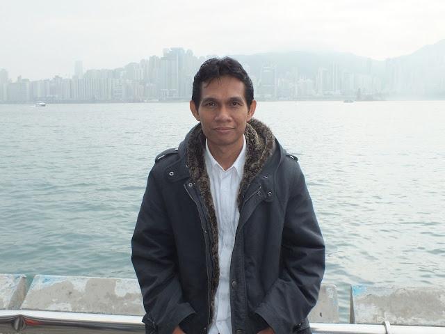 Mengenal Profile Dr. Moh Ali, M.PdI dan Senyuman Khasnya