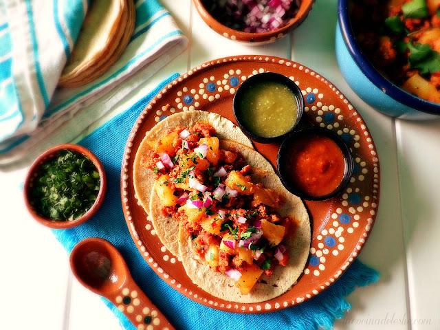 Tacos de Longaniza Mexicana con Piña - lacocinadeleslie.com