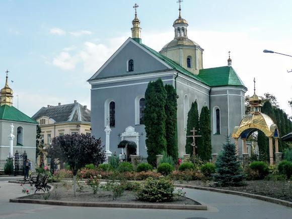 Золочів. Свято-Воскресенська церква. УПЦ КП