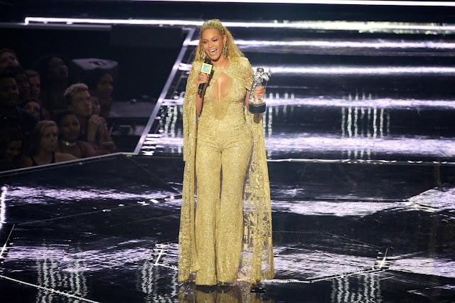 Beyoncé trófeu VMA 2016