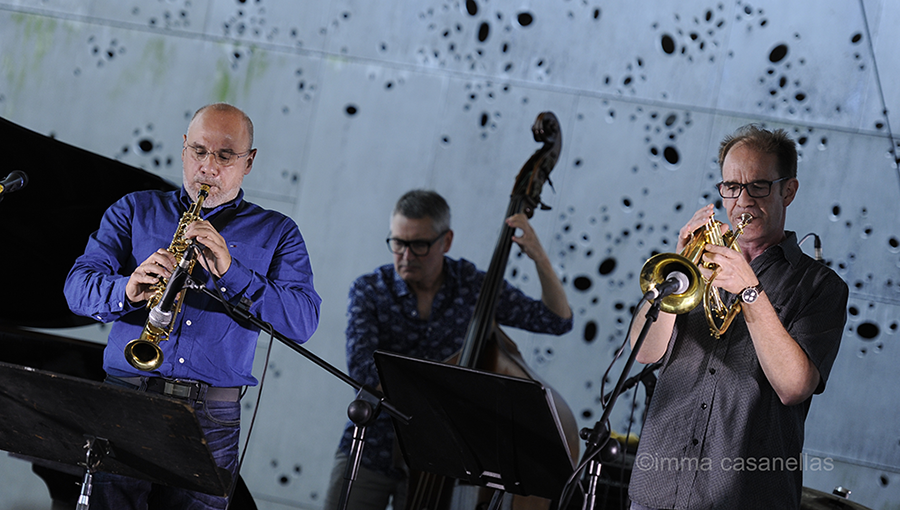 Mikel Andueza, amb Gonzalo Tejada i Chris Kase, Pati del Museo San Telmo, Donostia-San Sebastián, 22-jul-2016