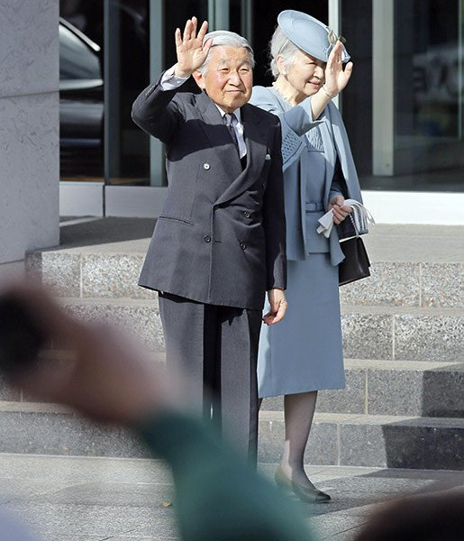 Emperor Akihito and Empress Michiko visited the Takamatsuzuka Tomb Museum in the village of Asuka on the last day of their three-day trip to Nara Prefecture