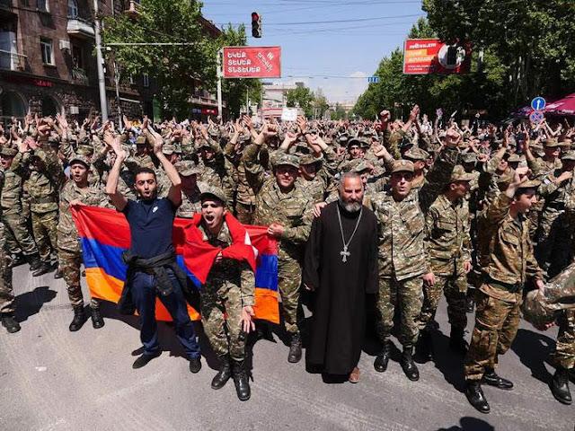 El ministerio de Defensa amenazó a los militares que protesten